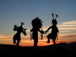 BG - Indian dancers