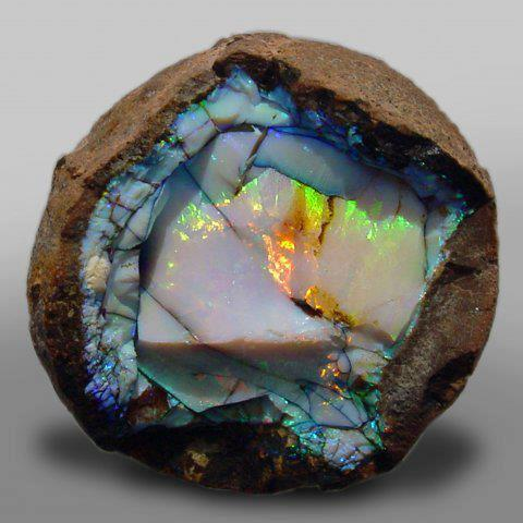 http://skippingstarsproductions.files.wordpress.com/2012/07/gem-ethiopian-opal-geode.jpg%3Fw%3D500